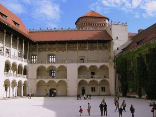 Zamek Królewski na Wawelu – Dziedziniec
