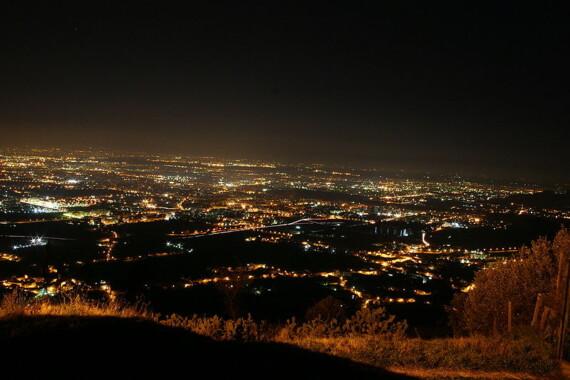 Caserta nocą