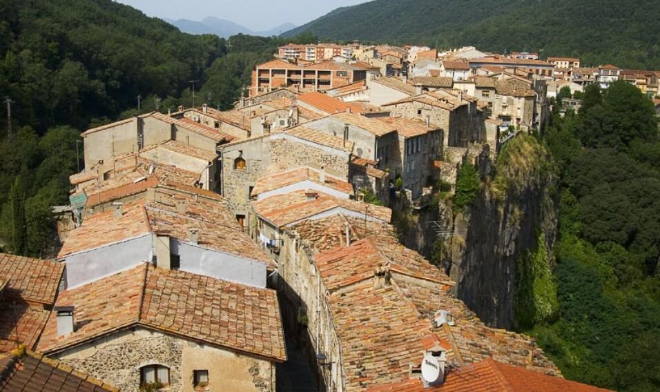 12 oszałamiających miast na krawędzi cliffa