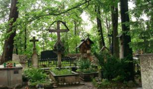 Cmentarz Zasłużonych na Pęksowym Brzyzku i Stary Kościół
