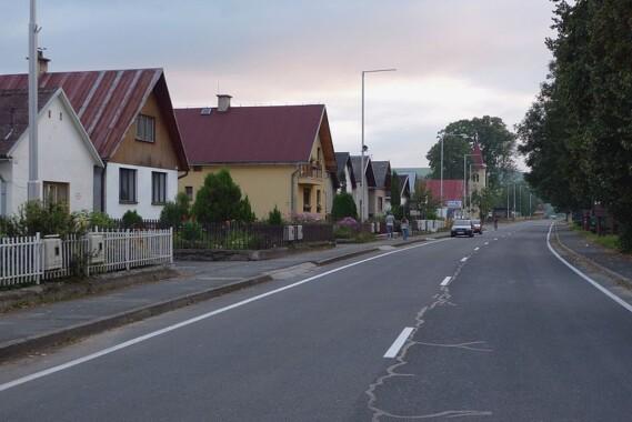 Czerwony Klasztor – ulica główna