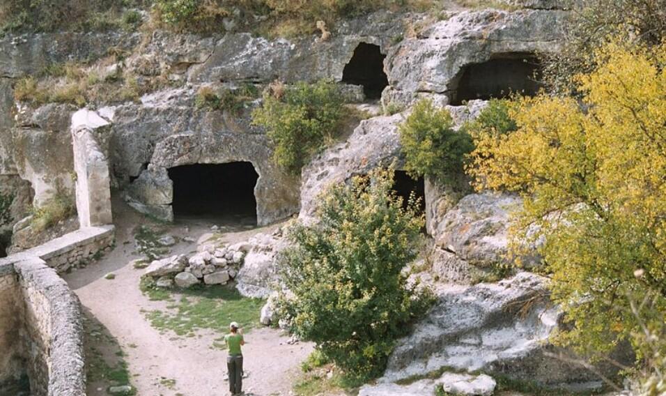 14 niesamowitych twierdz i skalnych miast na Krymie