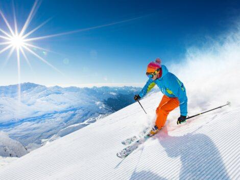 W jaki sposób można doskonalić jazdę na nartach?