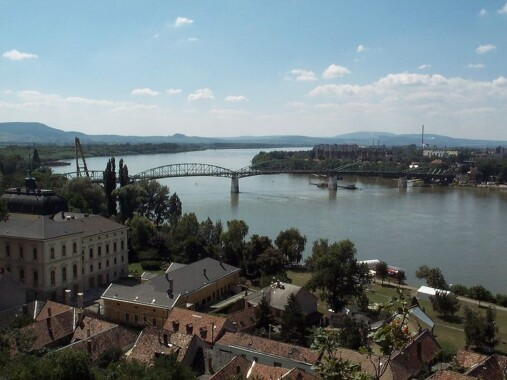 Dunaj płynący przez Esztergom