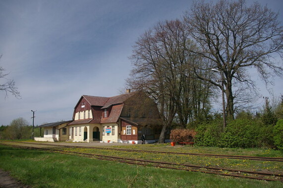 Dworzec kolejki wąskotorowej w Rewalu