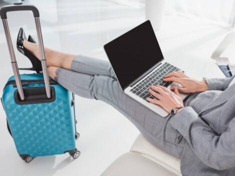 Internet w podróży – jak z niego bezpiecznie korzystać?