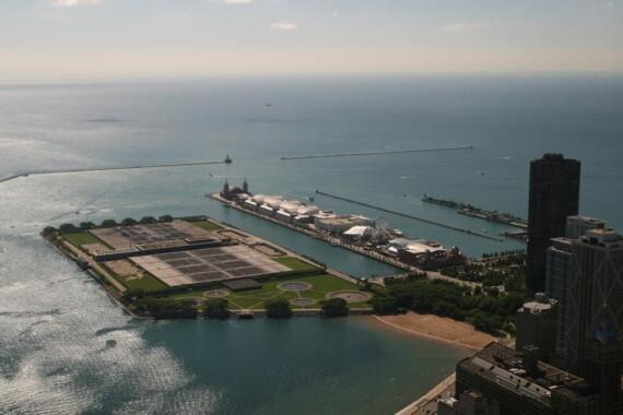 Jezioro Michigan i Navy Pier w stanie Illinois w Chicago
