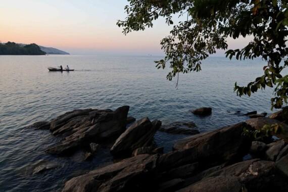 Zachód słońca nad jeziorem Niasa