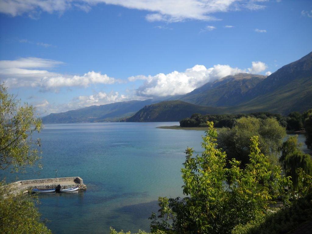 Jezioro Ochrydzkie widziane z klasztoru św. Nauma