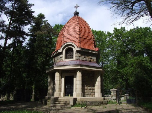 Kaplica cmentarna na cmentarzu w Jabłońcu