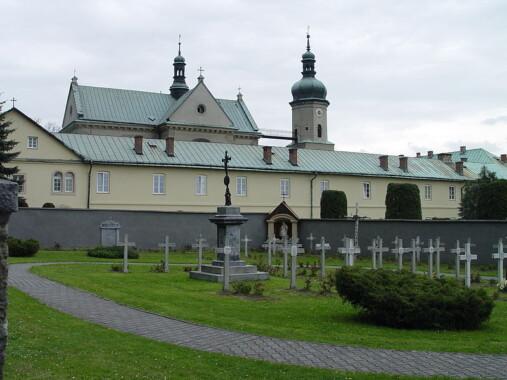 Klasztor z kościołem w Czernej