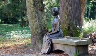 Ławeczka Alicji Habsburg w Żywcu
