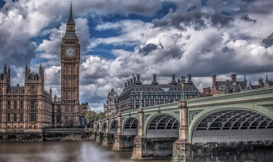 Odkryj piękno Zjednoczonego Królestwa. Popłyń promem do UK