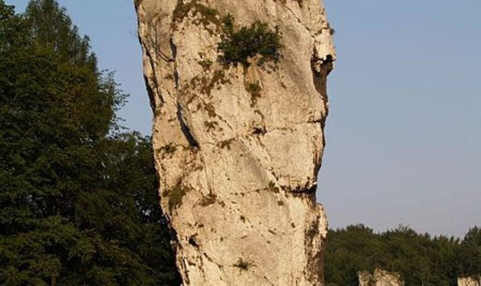 20 niezwykłych skał i formacji skalnych w Polsce