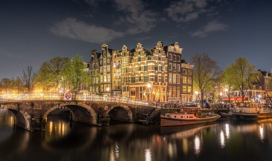 Zobacz kilka miast Beneluksu nie za euro, a za dolary!