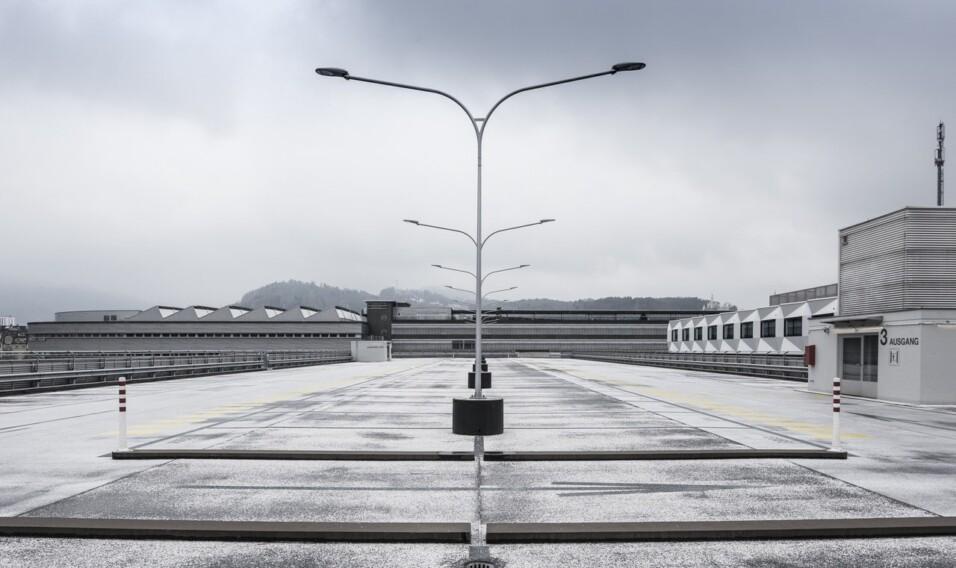 Zarezerwuj sobie miejsce na parkingu, które będzie na Ciebie czekać – Parkos