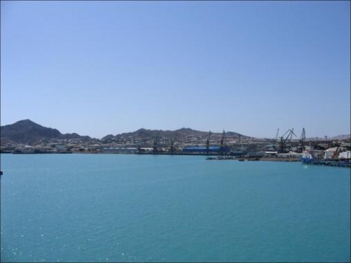 Morze Kaspijskie i port w Turkmenbaszy