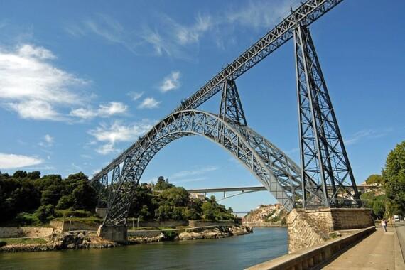 Most Maria Pia łączący Porto z Vila Nova de Gaia