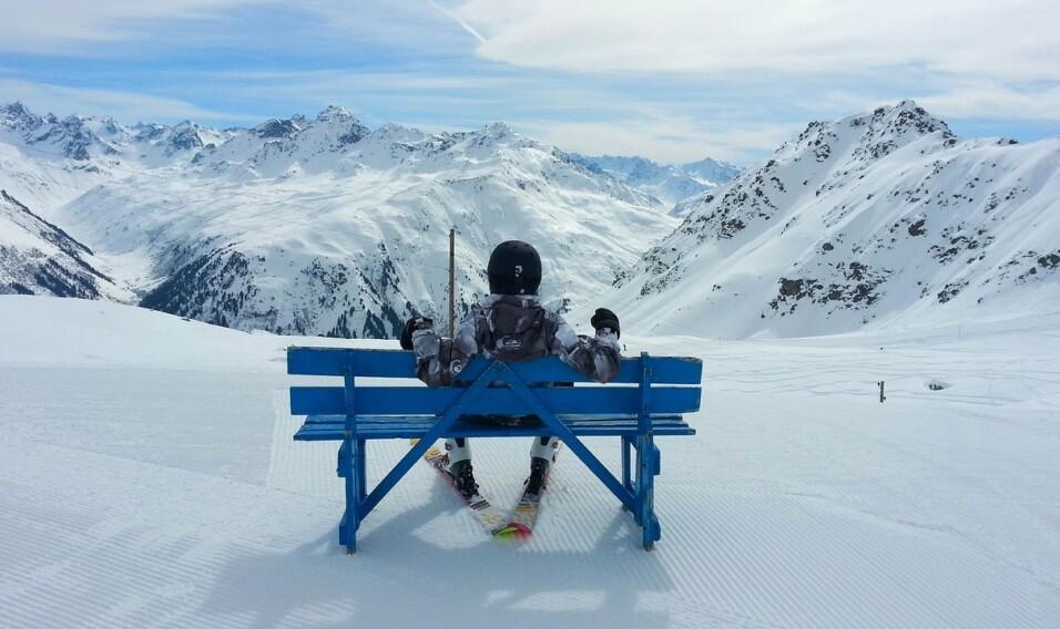 Wyjazdy na narty – Alpy czy polskie góry?