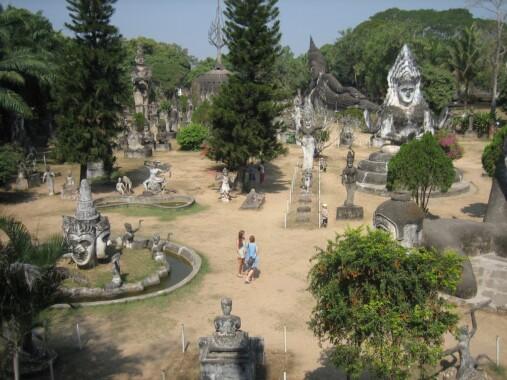 Park Buddy w Laosie
