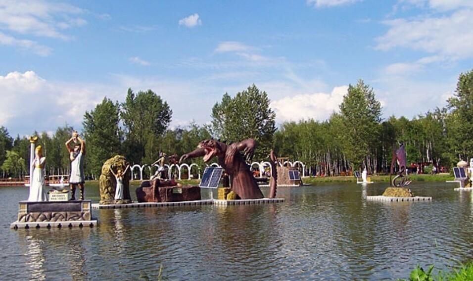 Park Mitologii na Wodzie w Zatorze