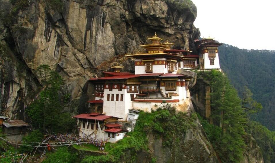7 niezwykłych klasztorów Bhutanu