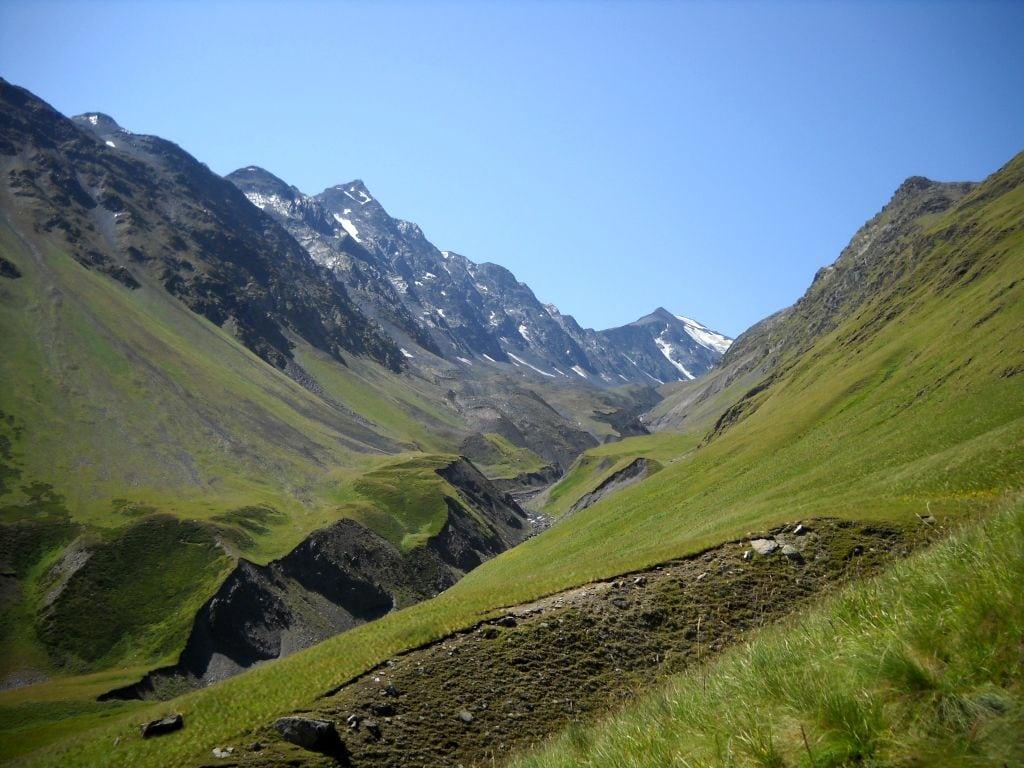 Podejście na przełęcz Atsunta