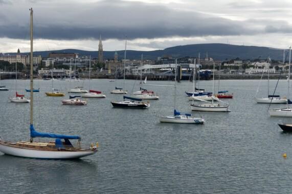 Port w Dún Laoghaire