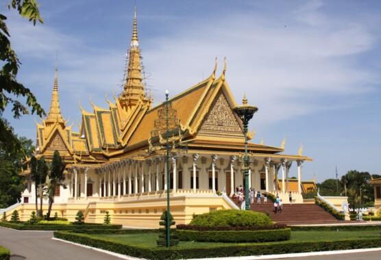 Sala tronowa wewnątrz kompleksu Pałacu Królewskiego