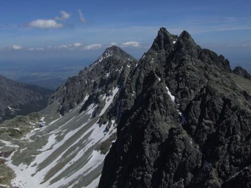 Widok z Małej Wysokiej na Dolinę Staroleśną, Sławkowski Szczyt i Staroleśny Szczyt