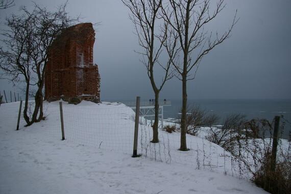 Trzęsacz – ruiny kościoła na klifie