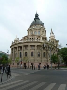 Strona tylna Bazyliki św. Stefana w Budapeszcie