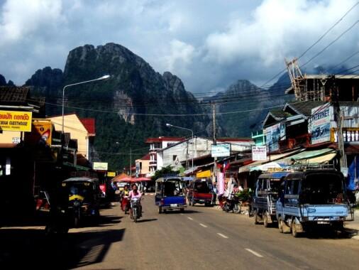 Ulica w Vang Vieng
