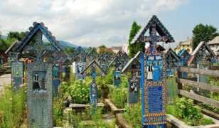 10 najdziwniejszych i najbardziej niezwykłych cmentarzy świata