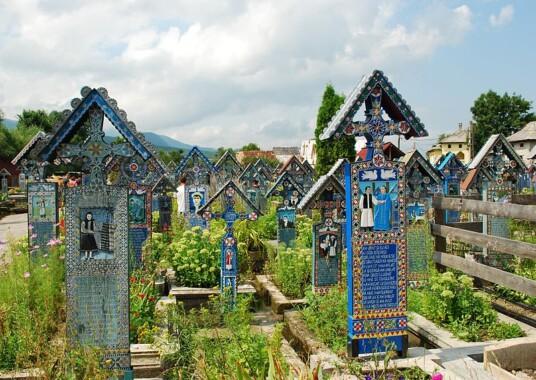 Wesoły cmentarz w Săpânţa