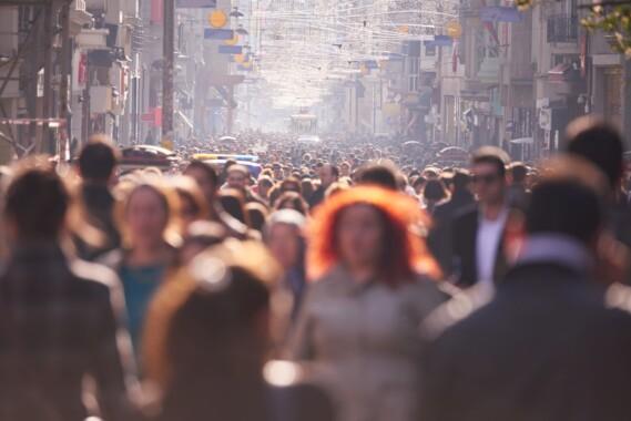 Zadeptywanie miast przez turystów