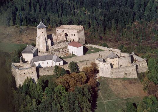 Zamek Lubowelski